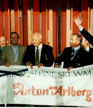 Historische Ansicht: St. Anton am Arlberg wird WM-Austragungsort beim FIS-Kongress in Neuseeland 1996