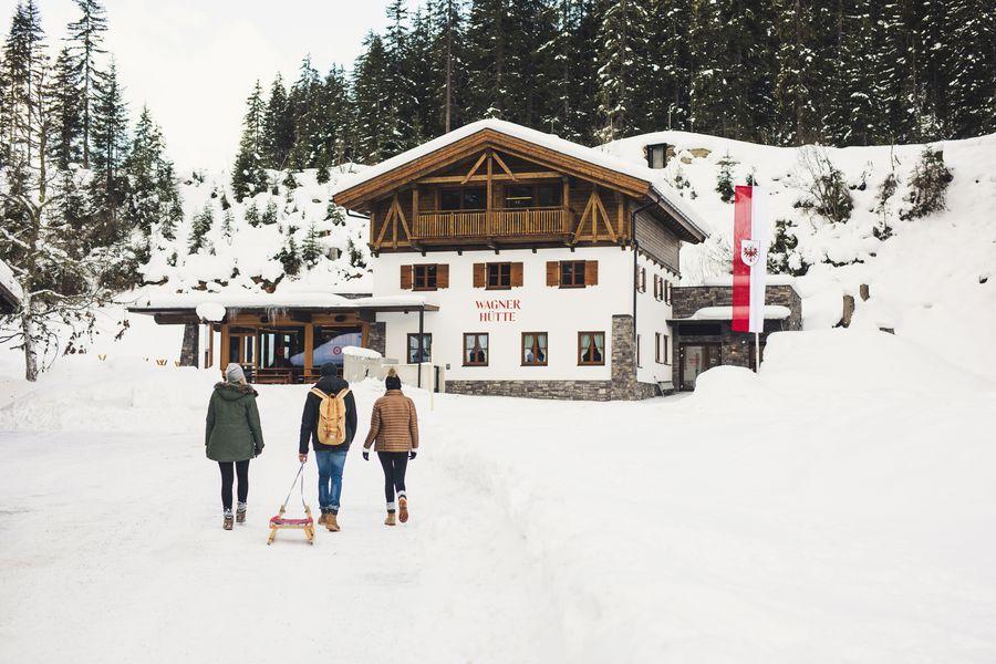die Wagner Hütte im Winter